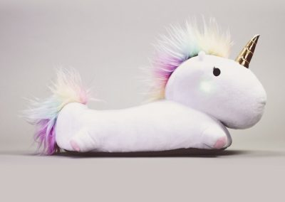 enchanted-light-up-unicorn-slippers-unicornsaker.se-1